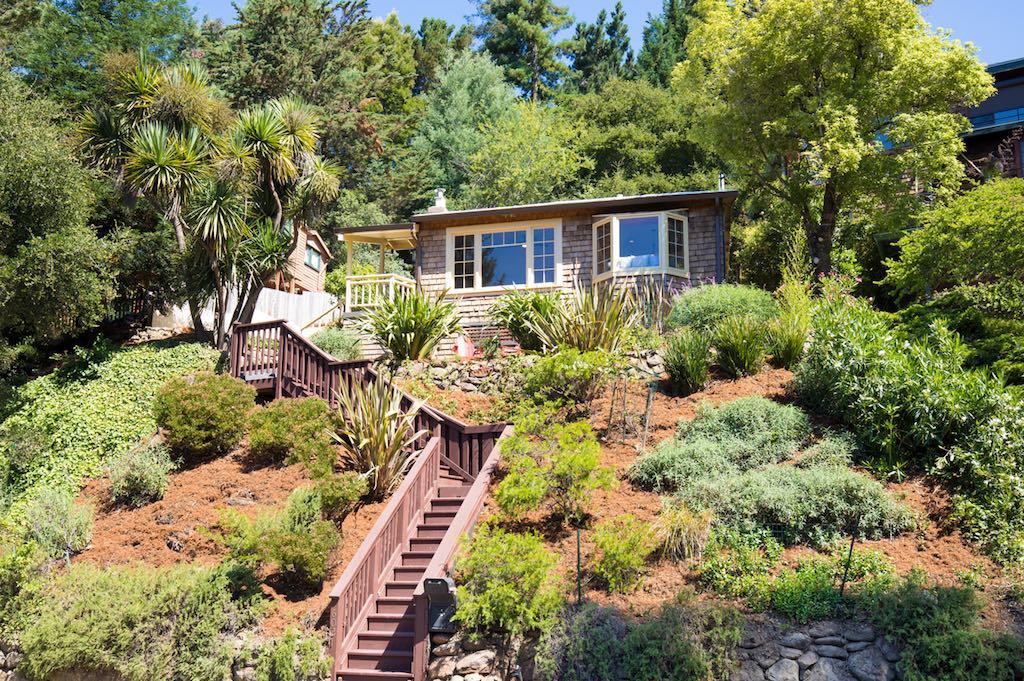 summer-cottage-oakland-1