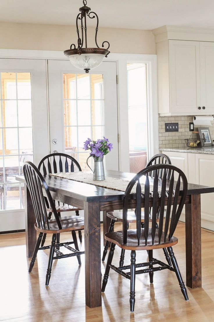 Farmhouse table DIY with removable legs. Click to get the free build plans!!! Gr...