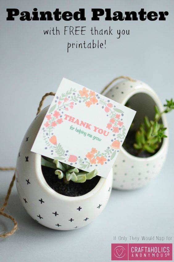 A DIY gift idea for that awesome teacher in your life, plus it comes with super ...