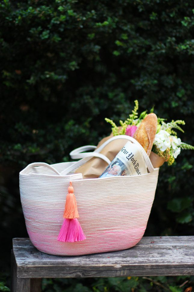 Check out this gorgeous tote made of rope whose ombré look comes together with ...