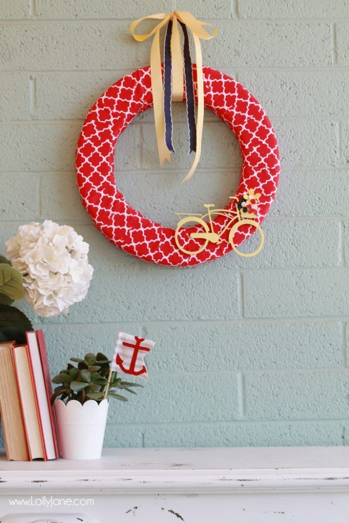 Easy summer bicycle wreath tutorial. Cute summer wreath idea! Love this bicycle ...