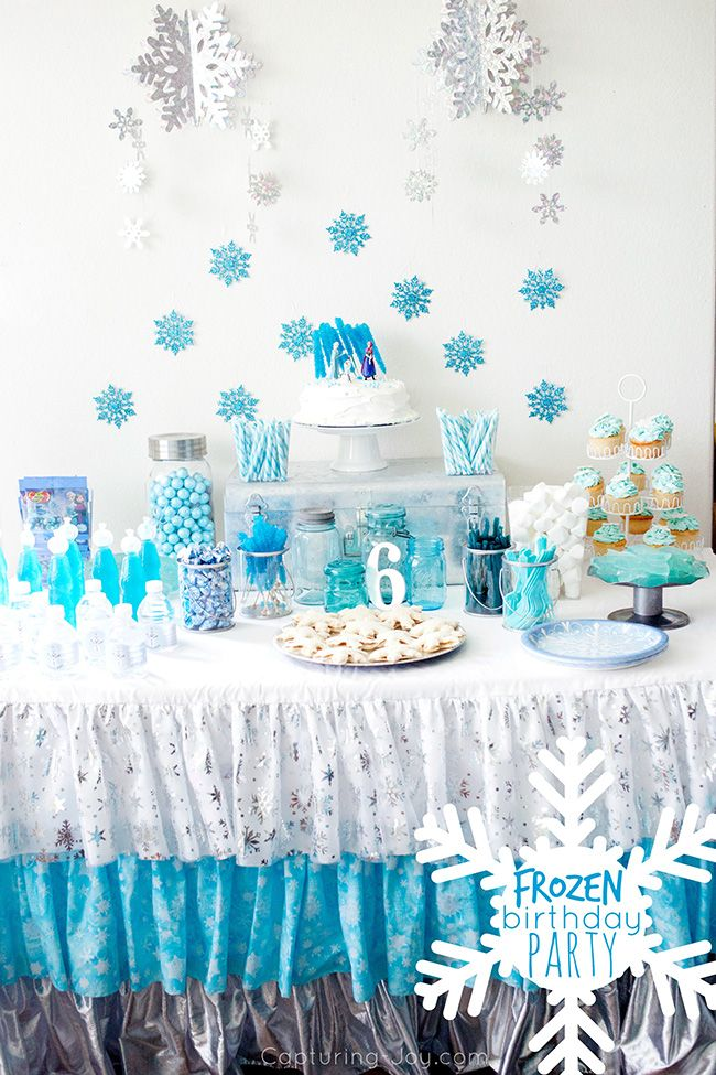 Frozen Birthday Party including free party printables and photo booth prints alo...