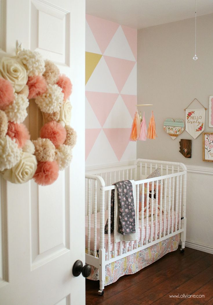 Paint this EASY Painted Triangle Accent Wall and make your space pop! With a lit...