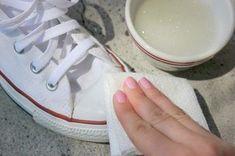 Comment bien nettoyer des baskets blanches ? Nos astuces pour rendre leur blanch...