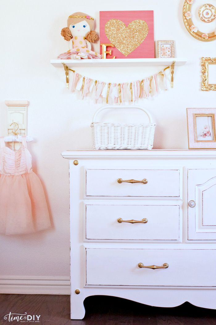 Diy Crafts Darling Girls Room Gallery Wall Decor Love The Chippy