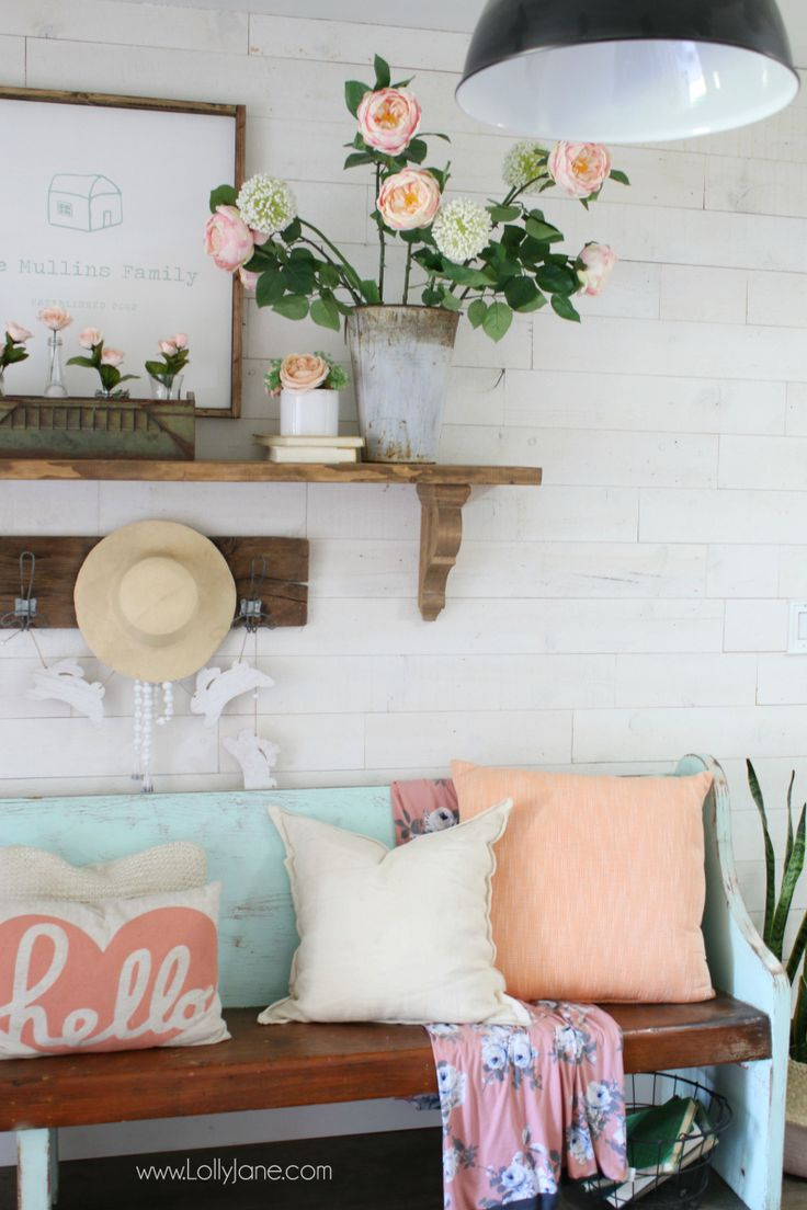 DIY Crafts : Pink and white spring entryway decor ideas! Fun diy ...