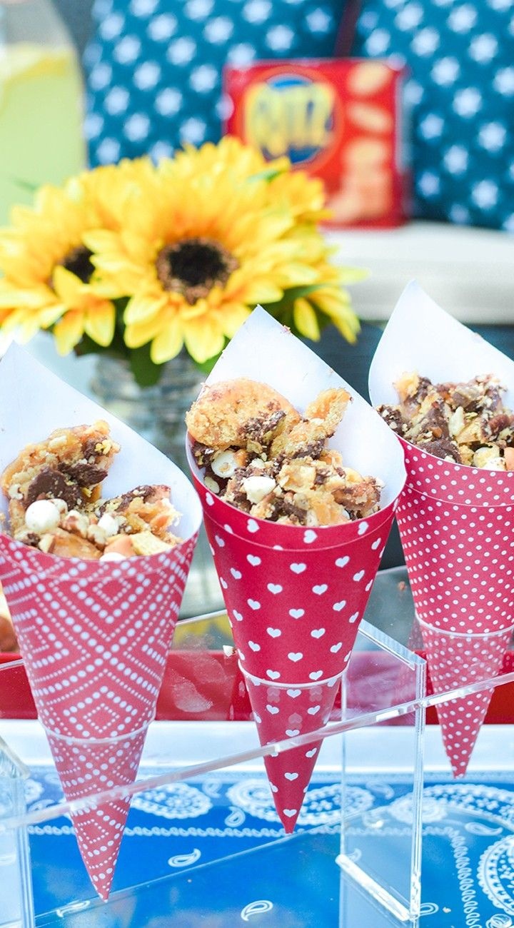 The perfect summer snack. Whip up a batch of RITZ Cracker Candy. A rich combinat...