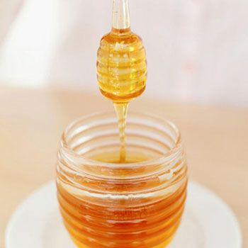 All The Buzz About The Beauty Benefits of Honey!