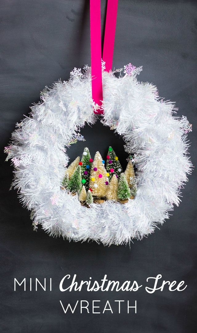 Make this gorgeous Christmas wreath in under 30 minutes with mini bottle brush t...