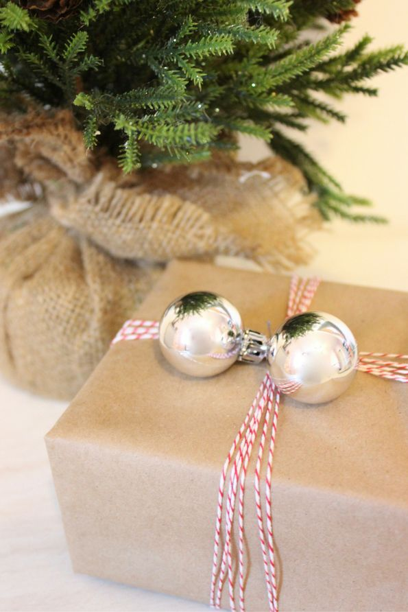 Ornaments gift wrap