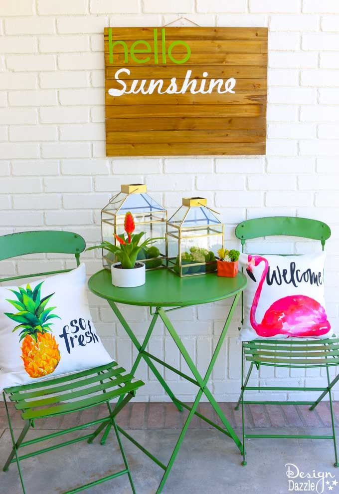 Summer sunshine decor is bound to put a smile one everyone's face! See how I...
