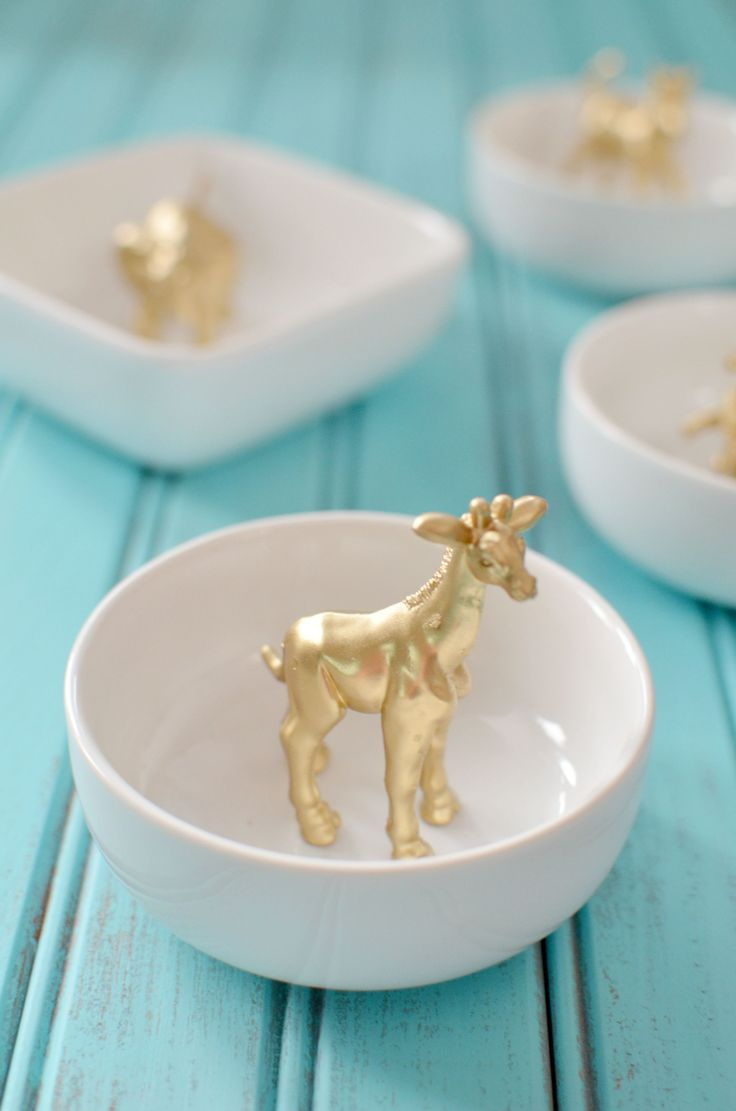 Want a cute dish to display your rings? How cute are these DIY Gold Animal Ring ...