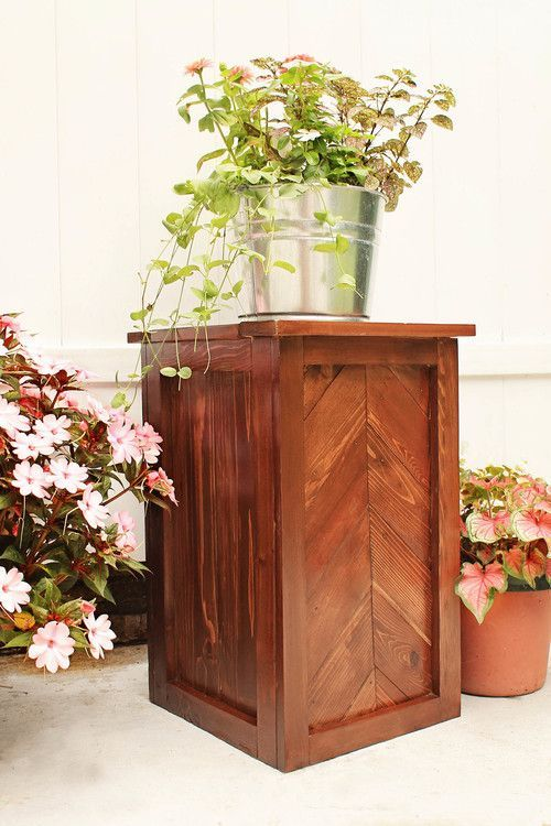 DIY Chevron Planter Stand — Angela Marie Made - Great for a summer patio or fr...