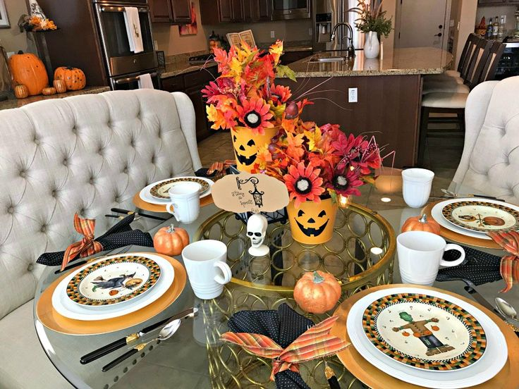 Great Halloween Tablescapes