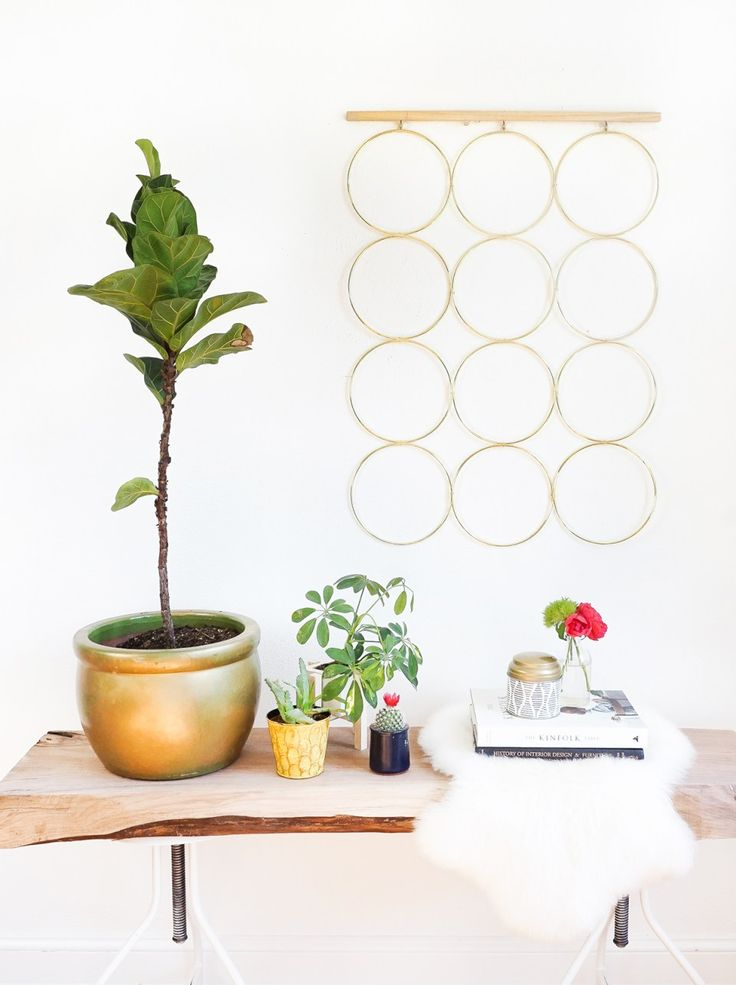 A simple and sophisticated DIY brass ring wall decor to hang at home! - sugar an...