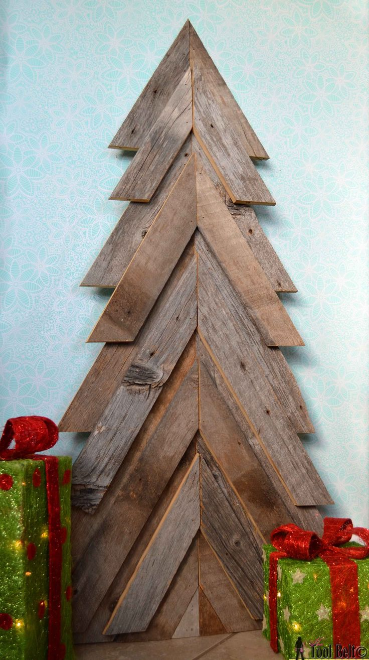 An easy way to add natural elements into your Christmas decor, build a rustic Ch...
