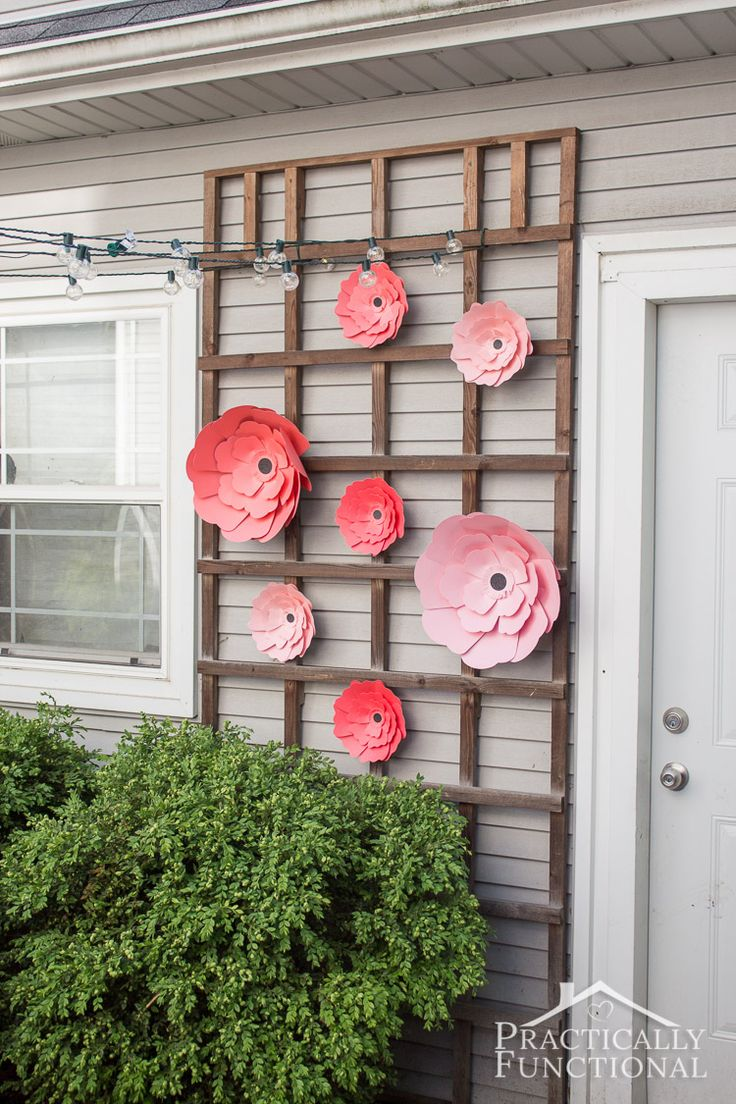 Love these DIY giant paper flowers! Perfect for a garden party or outdoor weddin...
