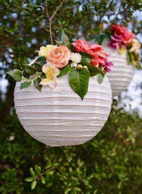 DIY flower paper lanterns tutorial. Make these simple party decorations for show...