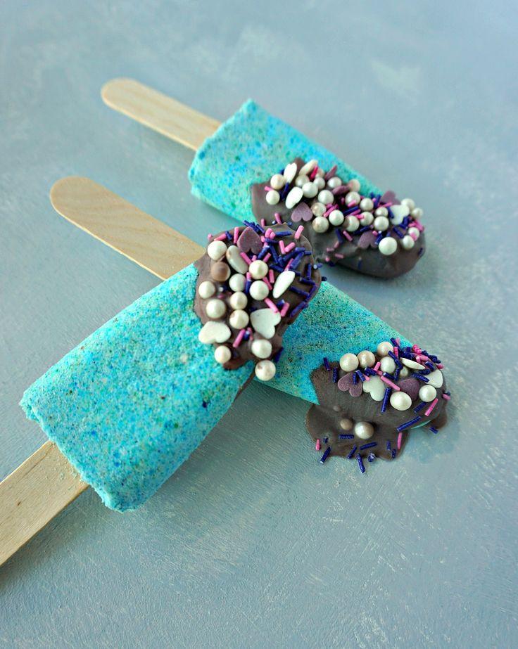 Such a cute idea!! How To make your own DIY Mermaid Bath Bomb Popsicles. Tutoria...