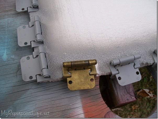 how to paint cabinet hinges - this is going to save me so much money!!