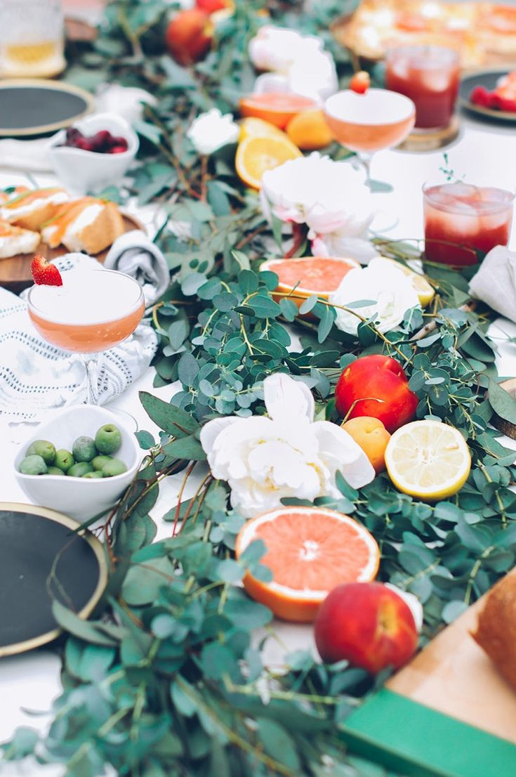 Beautiful DIY dinner party table decor.