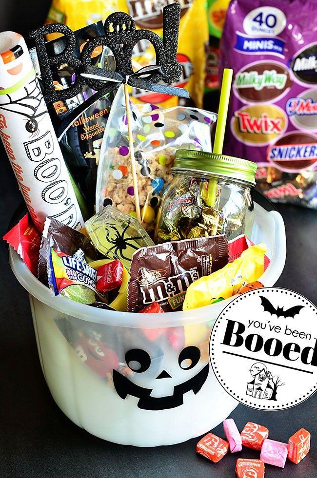 Love this fun idea for halloween ~ #BooitForward this Halloween with a fun baske...