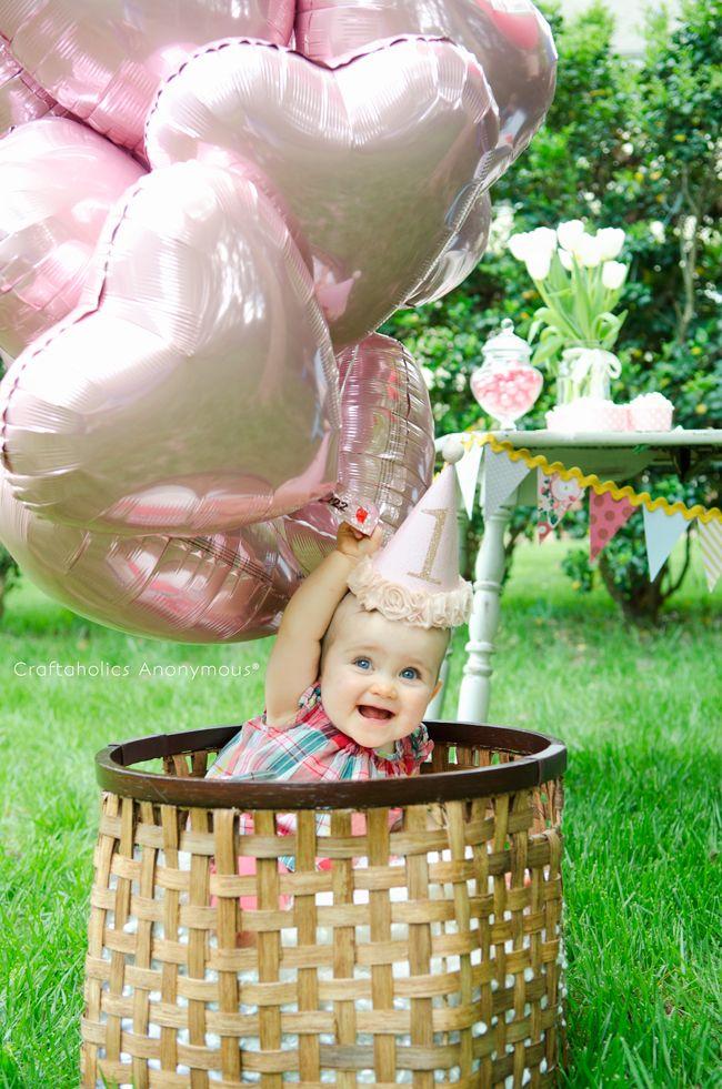 Hot Air Balloon 1st Birthday Party idea :: DIY party