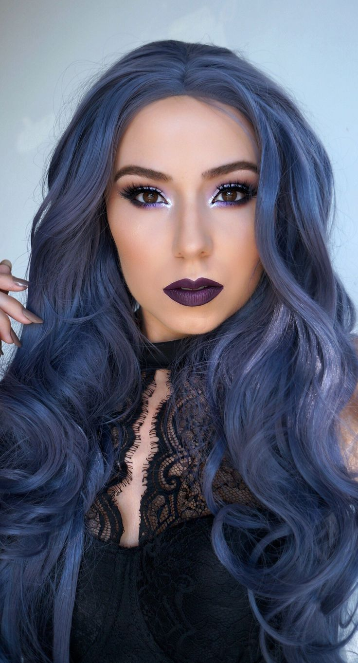 How to create a gothic look perfect for Halloween.