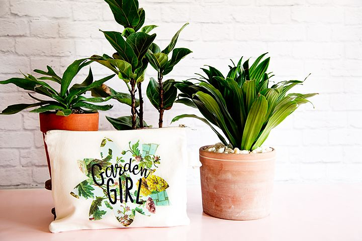 My Mom is a true garden girl and I thought it would be fun to create a cute gard...