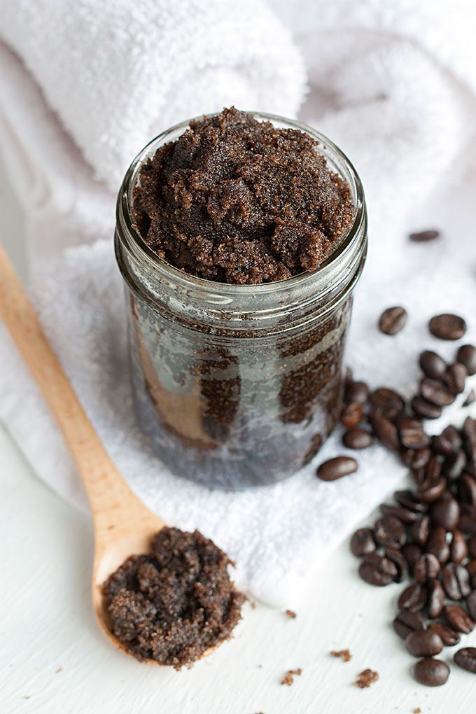 DIY Frank Coffee Scrub- thanks to this recipe, my skin has never looked brighter...