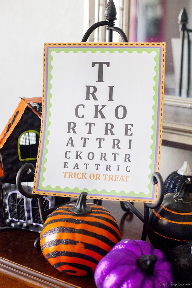 Free Halloween Printables are a great, inexpensive way to change up your Hallowe...