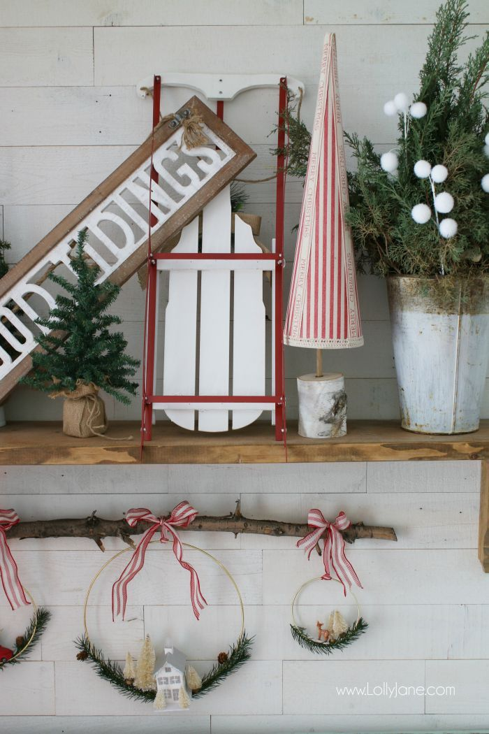 Red and white farmhouse Christmas mantel decor | Love this cheery Christmas mant...