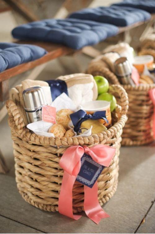 25 gift baskets