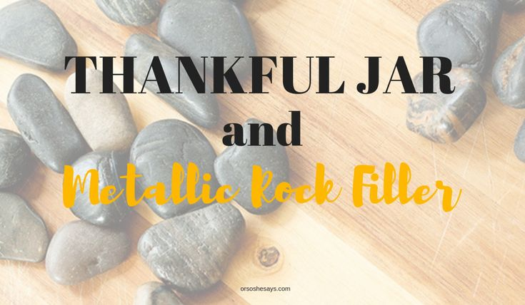 Here's a unique and beautiful way to show gratitude- with a thankful jar ful...