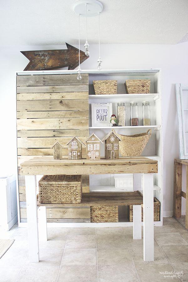 DIY Pallet Ginger Bread Houses