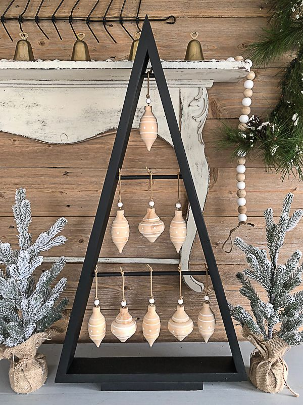 If you are looking for an inexpensive way to have a Christmas tree that is uniqu...