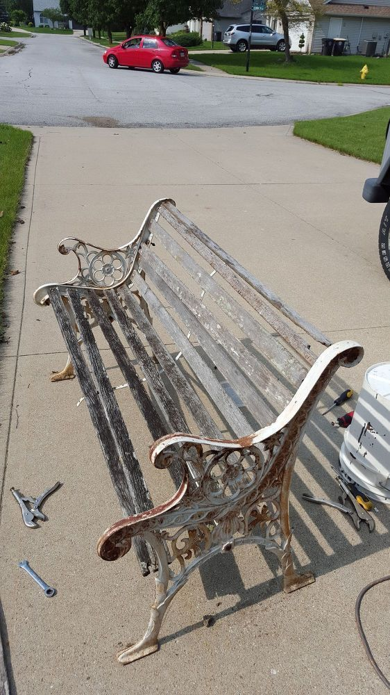 They turned trash into treasure, and so can you! Giving an old bench new life! #...