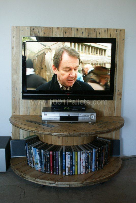 DIY TV stand Ideas : build a lemonade stand out of pallets