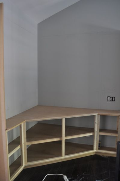 corner built in for tv - Great way to make use of a corner space and still have ...