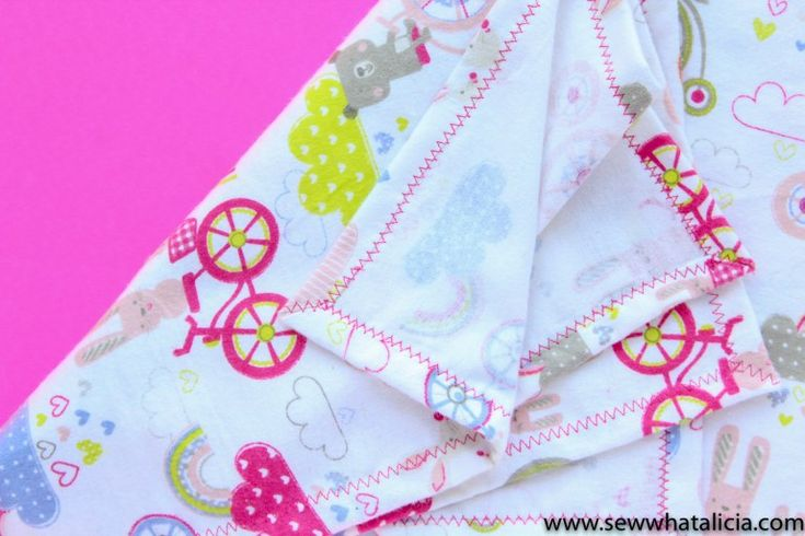 How to Make a Baby Blanket: This beginner sewing tutorial is perfect for anyone ...