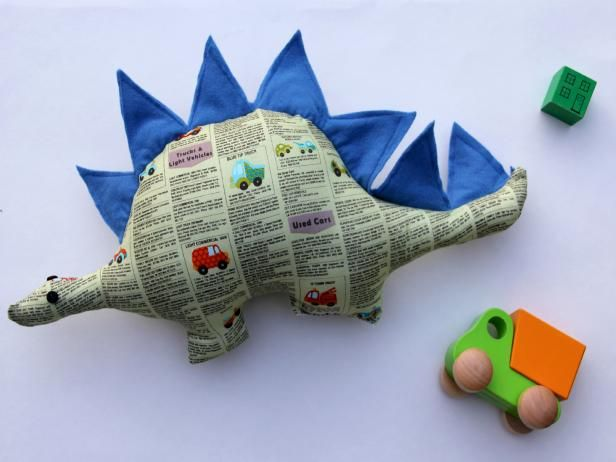 How to Make a Dinosaur Softie Toy with Free Pattern | how-tos | DIY