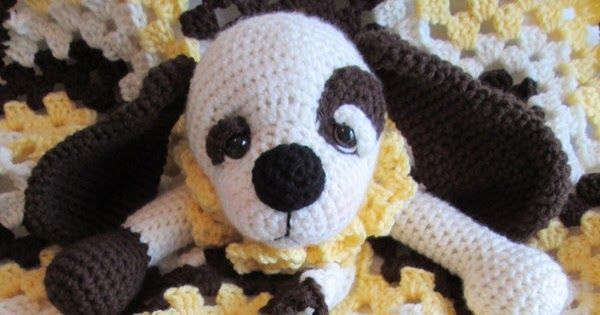 New pattern time. This sweet dog blanket works up quickly with your favorite wor...