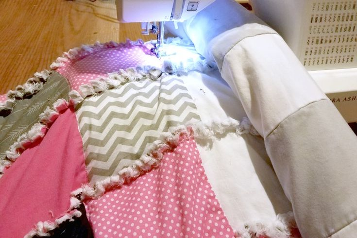 This rag quilt styled DIY weighted blanket tutorial gives you a bit of comfortin...