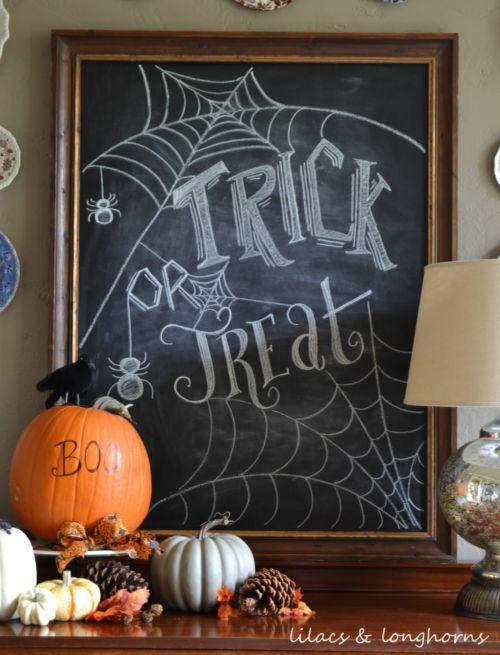 Halloween Chalkboard Art Vignette. Inspiring Fall-o-Ween Farmhouse Halloween Dec...