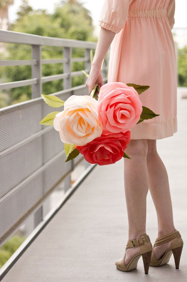 How to make giant crepe paper roses #DIY