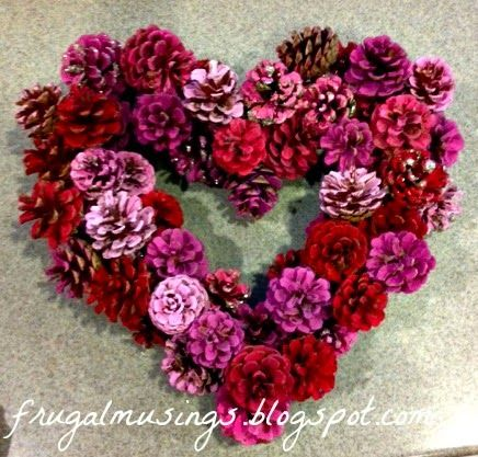 DIY Valentines Day Wreath - Pine cones - Home Decor - frugalmusings.blo...