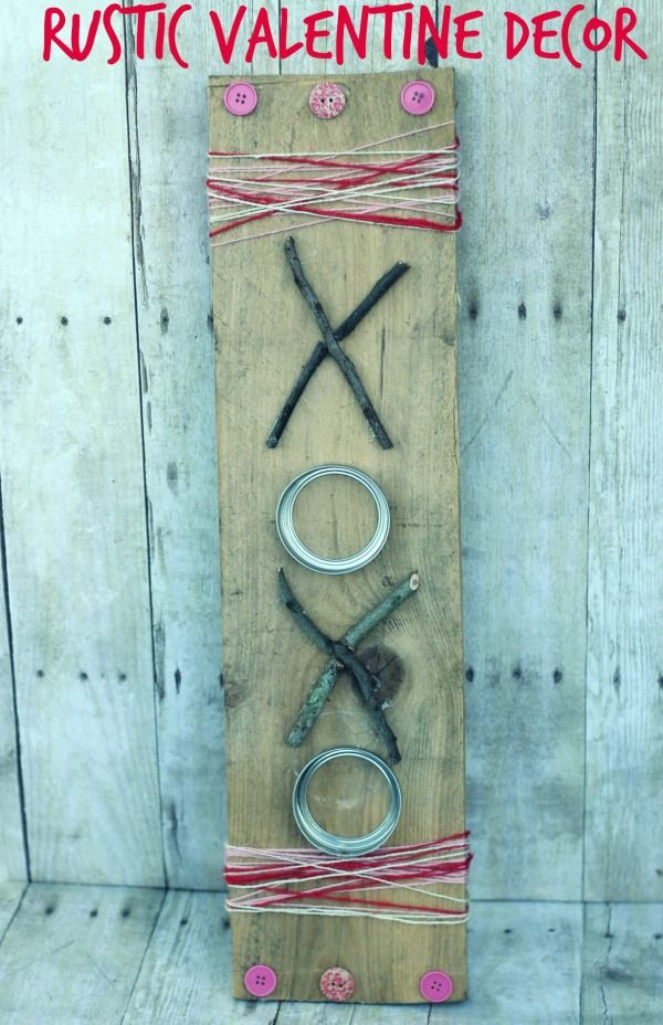 DIY valentine's decor- rustic XOXO sign #ValentinesDay #valentine