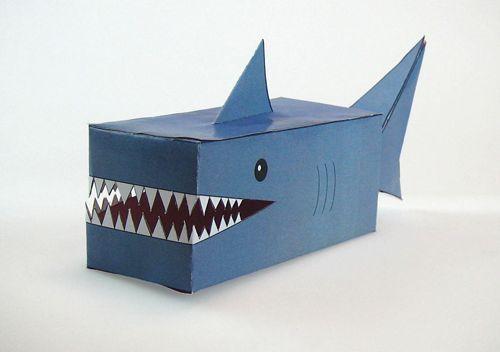 Nice 22 Adorable DIY Valentine Box Ideas www.decorisme.co/... Okay, thatas a sma...
