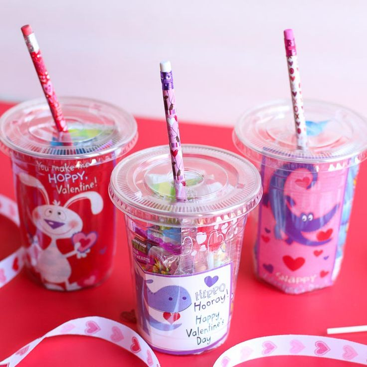 These cups are the cutest and sweetest DIY Valentine's Day Gift for Classmat...