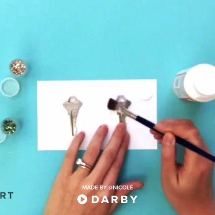Glitter Code Your Keys Life Hacks #darbysmart #diy #diyprojects #diyideas #diycr...